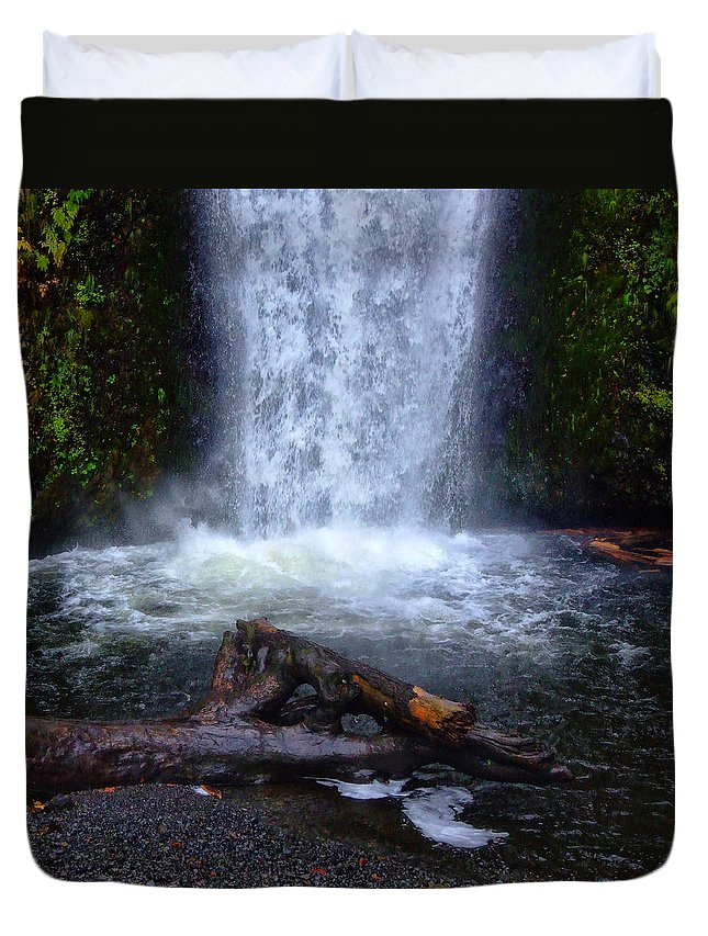 Clearwater Falls Duvet Cover featuring the photograph Multnomah Falls 5 by Ingrid Smith-Johnsen