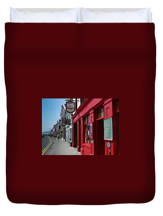 Irish Duvet Cover featuring the photograph Murphys Bed And Breakfast Dingle Ireland by Teresa Mucha