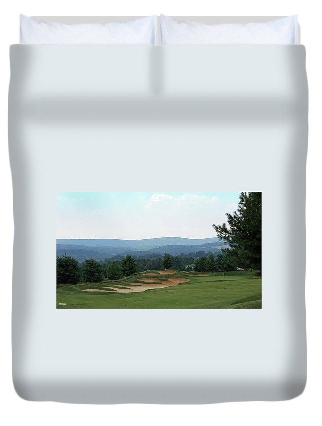 Maryland Duvet Cover featuring the photograph Musket Ridge Golf - In The Foothills Of The Catoctin Mountains - Par 5 - 10th by Ronald Reid