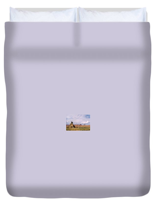 Arizona Duvet Cover featuring the photograph Mystery Valley by Cathy Franklin