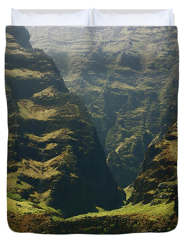 Beautiful Duvet Cover featuring the photograph Na Pali 1 by Kicka Witte - Printscapes