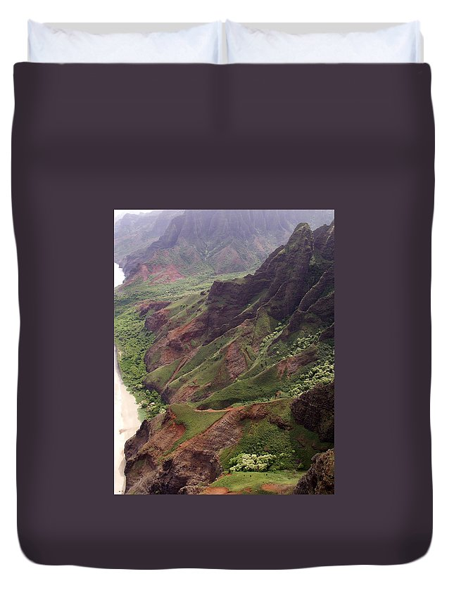 Na Pali Duvet Cover featuring the photograph Na Pali Coast by Amy Fose