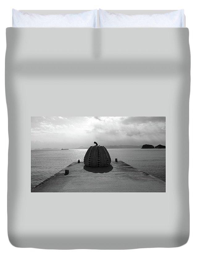 Japan Duvet Cover featuring the photograph Naoshima by Sigfrido Estudiante