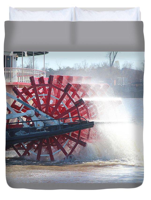Paddle Duvet Cover featuring the photograph Natchez Paddlewheeler by Marie Alvarez