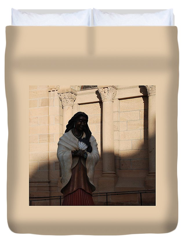 Sculpture Duvet Cover featuring the photograph Native American Saint by Rob Hans