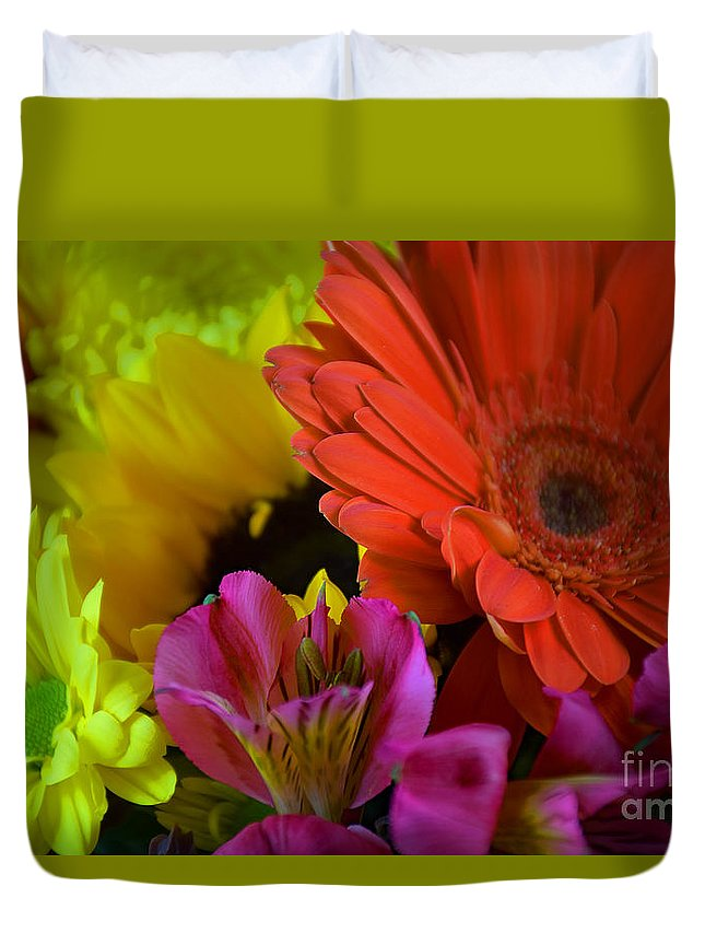 Nature Colorful Bouquet Duvet Cover featuring the photograph Nature Colorful Bouquet by Ray Shrewsberry
