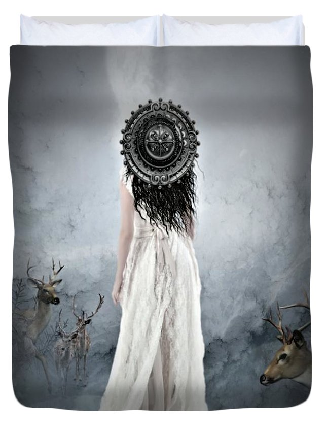 Deer Duvet Cover featuring the photograph Nature's Beauty by G Berry