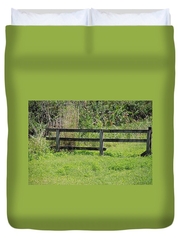 Fence Duvet Cover featuring the photograph Natures Fence by Rob Hans