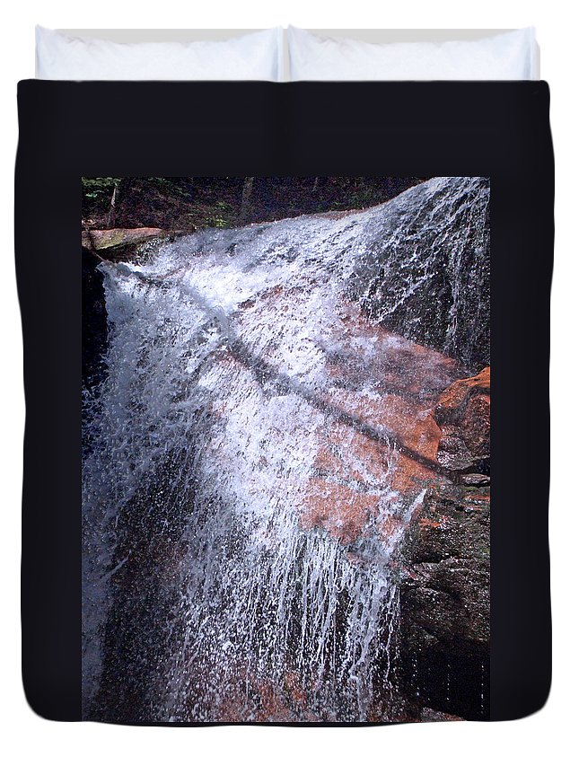 Forest Duvet Cover featuring the photograph Nature's Shower Head by Mark Sellers