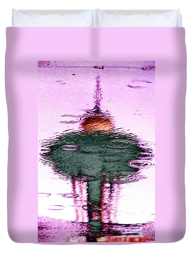 Seattle Duvet Cover featuring the photograph Needle In A Raindrop Stack 2 by Tim Allen