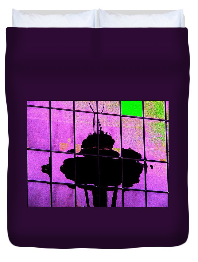 Seattle Duvet Cover featuring the digital art Needle Reflect 2 by Tim Allen