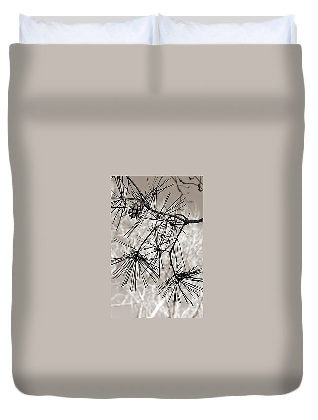 Tree Duvet Cover featuring the photograph Needles Everywhere by Marilyn Hunt