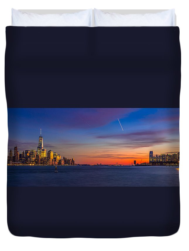 Landscape Duvet Cover featuring the photograph New York City by Quenel Jiang