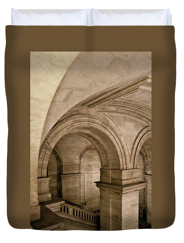 Manhattan Duvet Cover featuring the photograph New York Library by Michael Jacobs