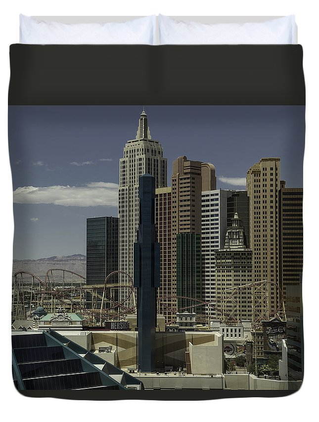 2015 Duvet Cover featuring the photograph New York New York View 2 by Teresa Mucha