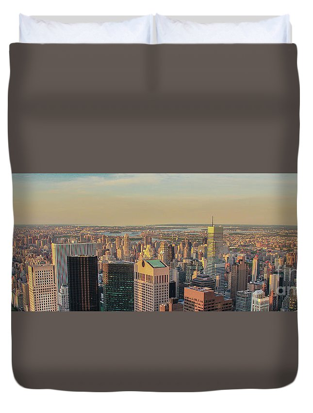 America Duvet Cover featuring the photograph New York Sky by Marcelo Santos