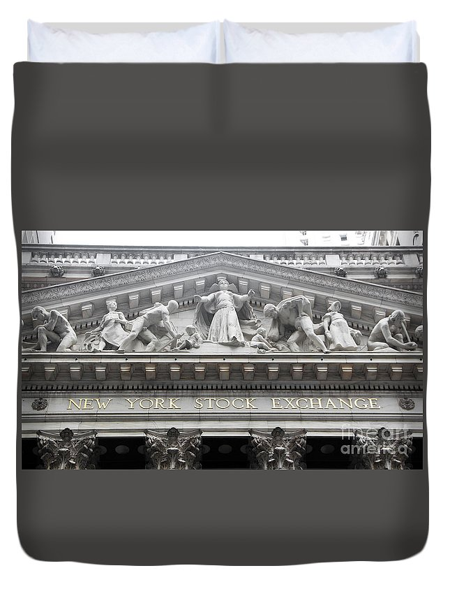 New York Stock Exchange Duvet Cover featuring the photograph New York Stock Exchange by Nishanth Gopinathan