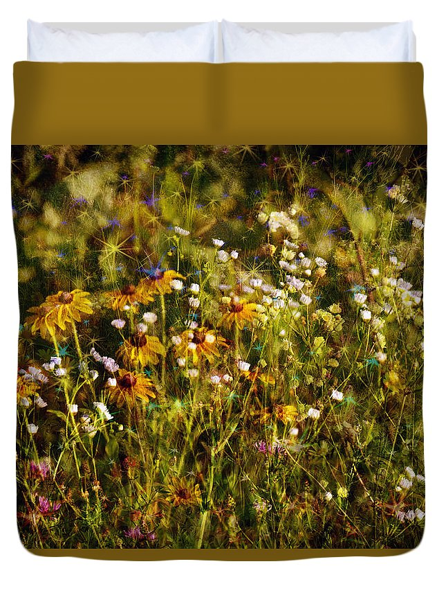 Flowers Duvet Cover featuring the photograph New York Wildflowers Xxvi by Tina Baxter