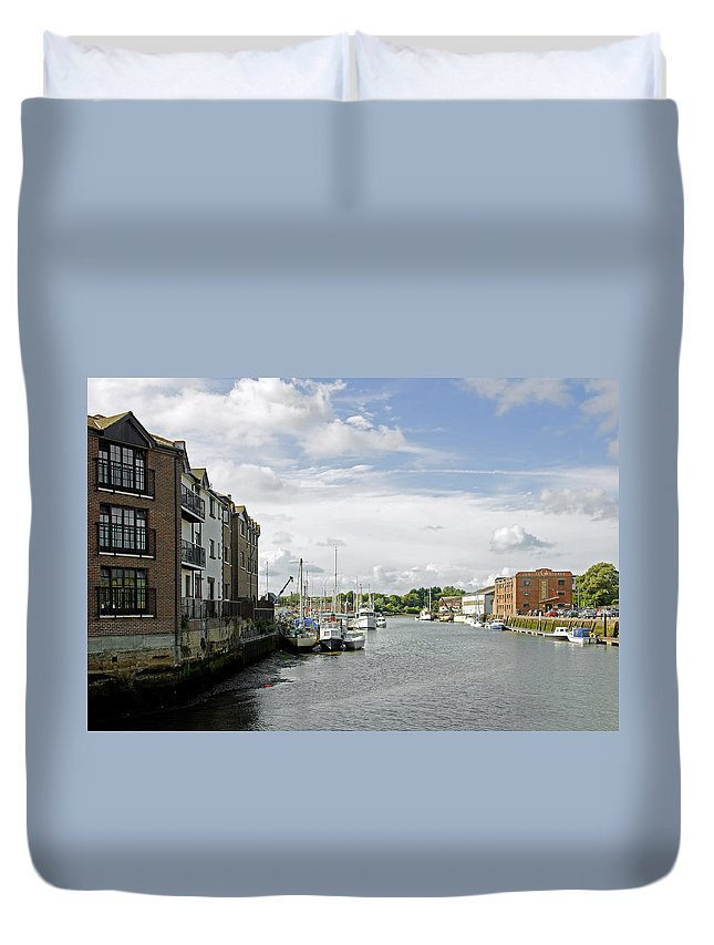 Isle Of Wight Duvet Cover featuring the photograph Newport Harbour Iow by Rod Johnson