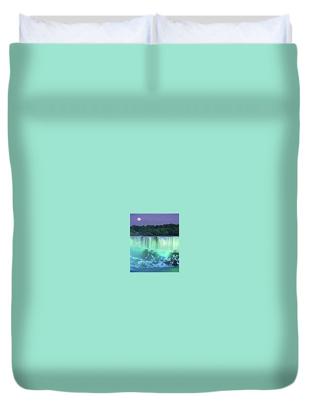 Waterfalls Duvet Cover featuring the photograph Niagra Falls, Ontario, Canada by Darla Hershey