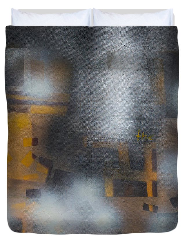 Abstract Duvet Cover featuring the painting Night Flashes by Ilgar Talibov