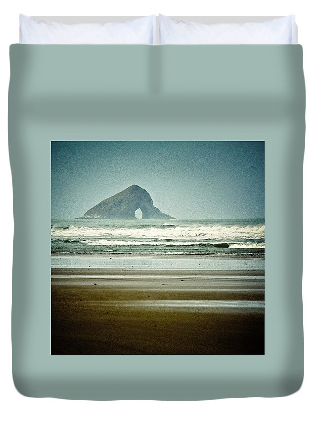 Seascape Duvet Cover featuring the photograph Ninety Mile Beach by Dave Bowman