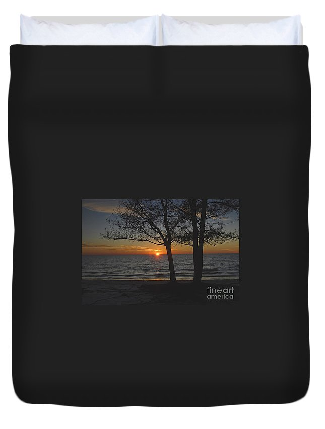 Beach Duvet Cover featuring the photograph North Beach Sunset by David Lee Thompson