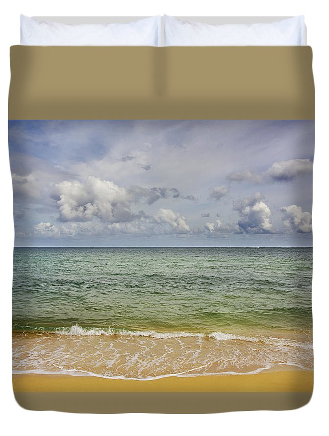 Hawaii Duvet Cover featuring the photograph North Shore Hawaii by T J Hankins