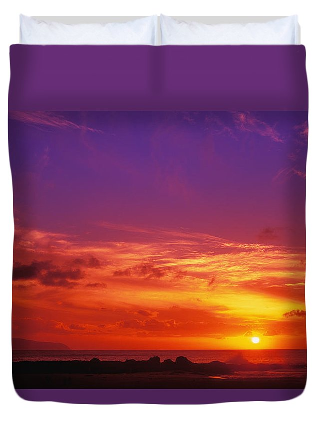 Air Art Duvet Cover featuring the photograph North Shore Sunset by Vince Cavataio - Printscapes