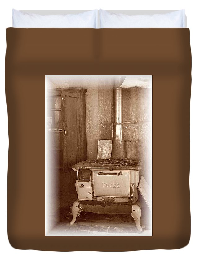 Stove Duvet Cover featuring the photograph Not Much Cookin - Unionville Nv by Nelson Strong