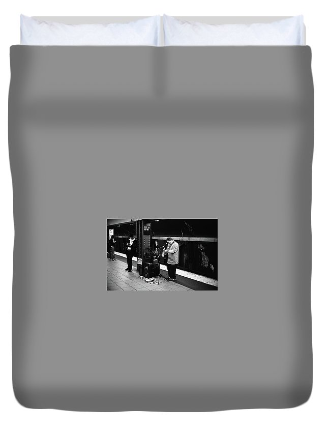 Olympus 35sp / Neopanacros100 Duvet Cover featuring the photograph Nyc Subway by Andre Thibault