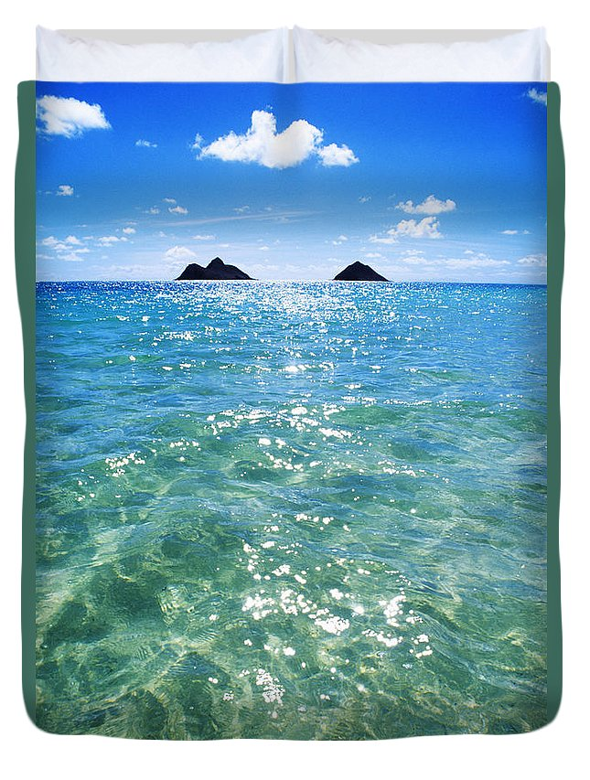 05-pfs0112 Duvet Cover featuring the photograph Oahu, Lanikai Beach by Carl Shaneff - Printscapes