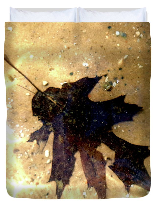Oak Leaf Duvet Cover featuring the photograph Oak Leaf Underwater by Tara Hutton