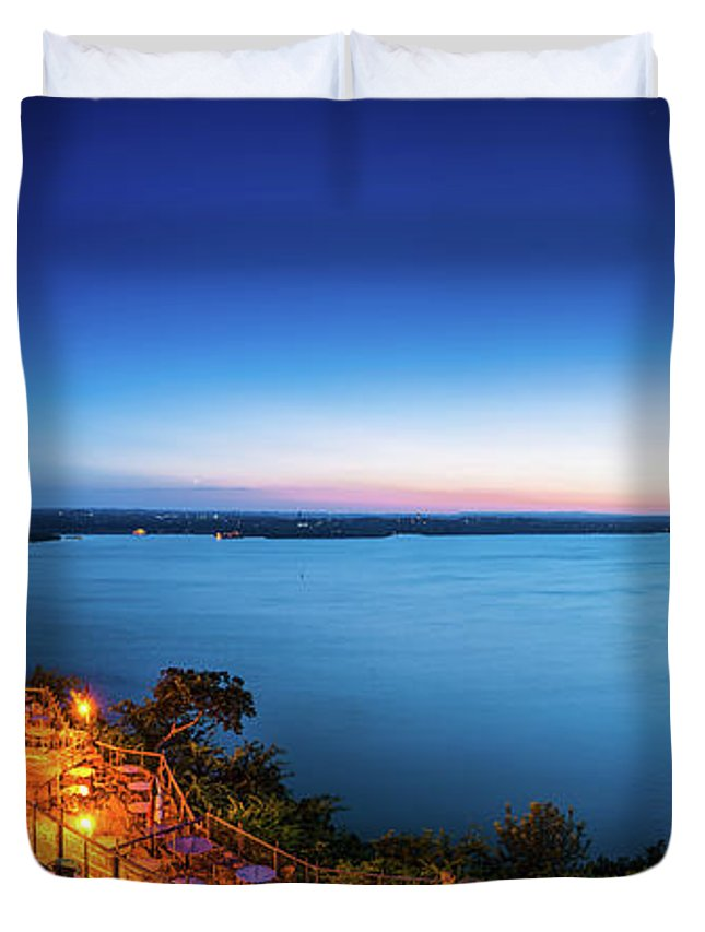 Oasis At Lake Travis Duvet Cover featuring the photograph Oasis At Night by Tod and Cynthia Grubbs