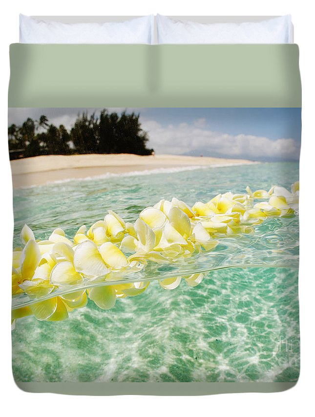 Afternoon Duvet Cover featuring the photograph Ocean Lei by Vince Cavataio - Printscapes