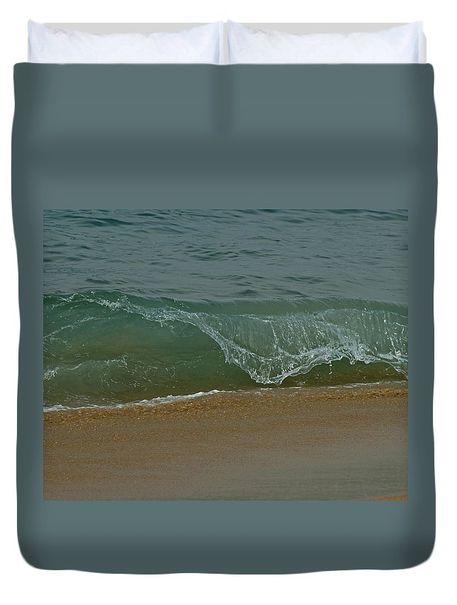 Beaches Duvet Cover featuring the photograph Ocean Wave by Ernie Echols