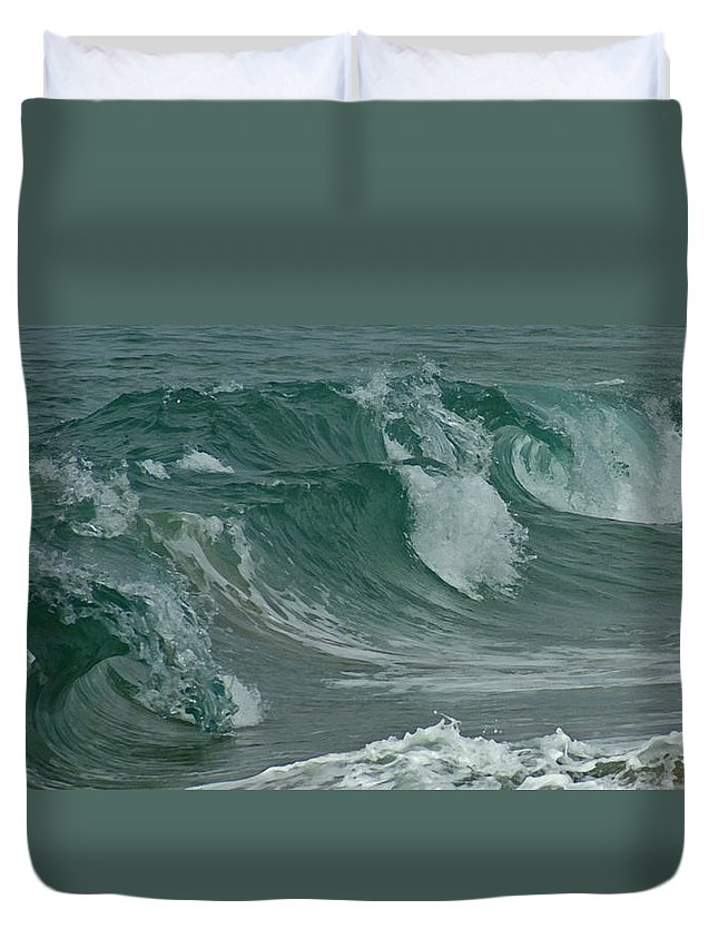 Ocean Duvet Cover featuring the mixed media Ocean Waves 2 by Ernie Echols