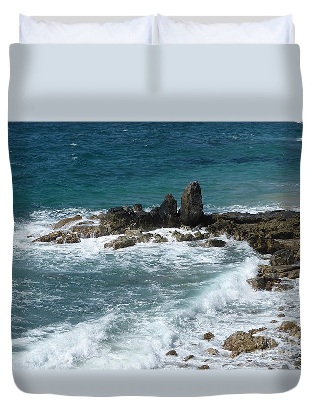 Caribbean Duvet Cover featuring the photograph Oceanic Beauty by Margaret Brooks