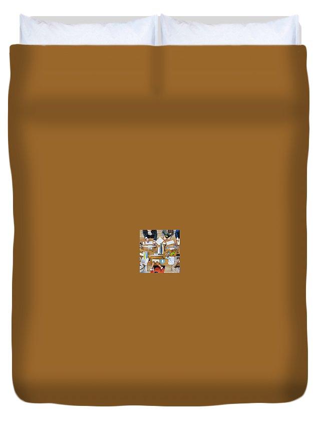 Oficinas Compartidas Duvet Cover featuring the photograph Oficinas Compartidas by Latty Pory