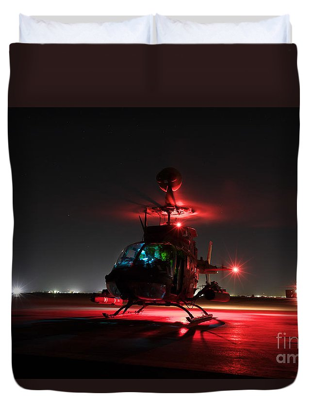 Aviation Duvet Cover featuring the photograph Oh-58d Kiowa Pilots Run by Terry Moore