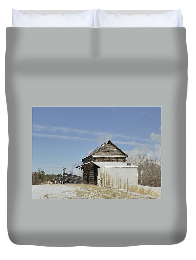 Cattle Chute Duvet Cover featuring the photograph Oh Chute by Glenda Ward