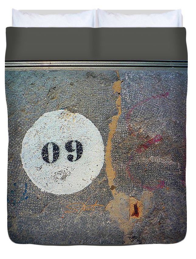 Number Duvet Cover featuring the photograph Oh Nine by Charles Stuart