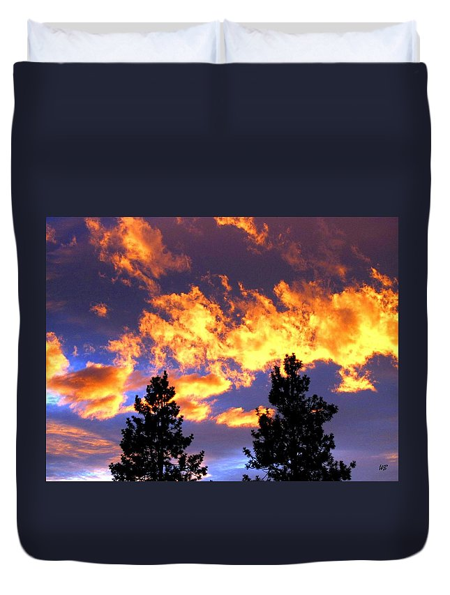 Sunset Duvet Cover featuring the photograph Okanagan Sunset by Will Borden