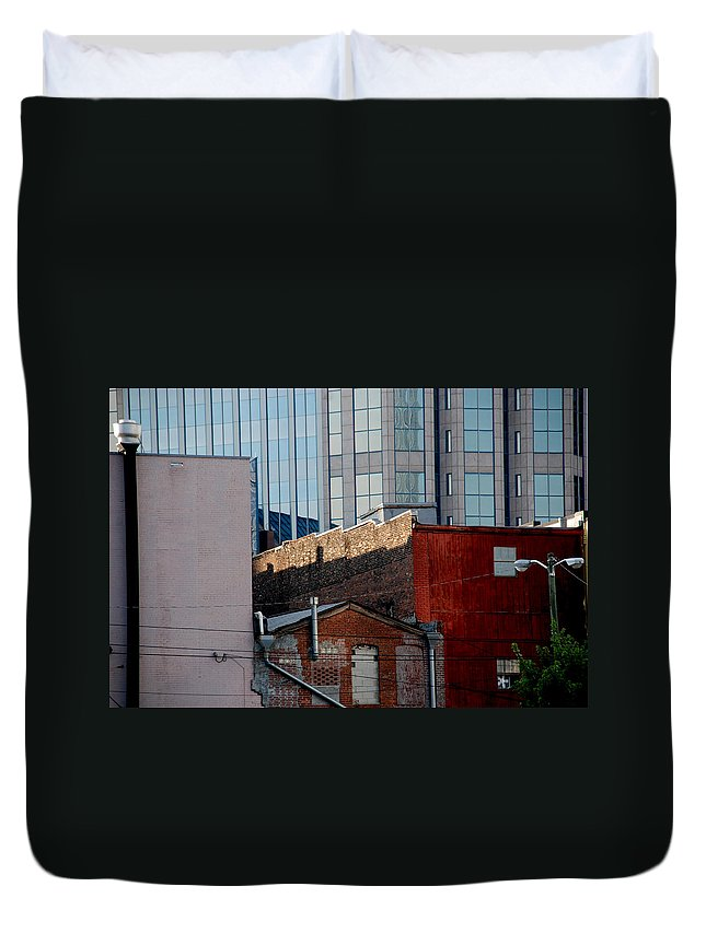 Nashville Duvet Cover featuring the photograph Old And New Close Together by Susanne Van Hulst