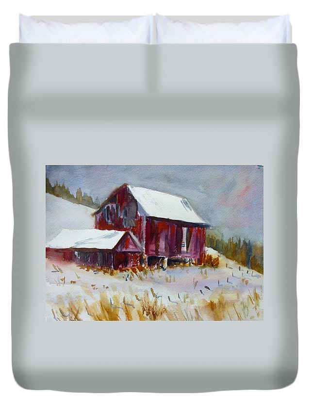New England Winter Stormy Snowy Trees Duvet Cover featuring the painting Old Barn In Snow by Linda Emerson