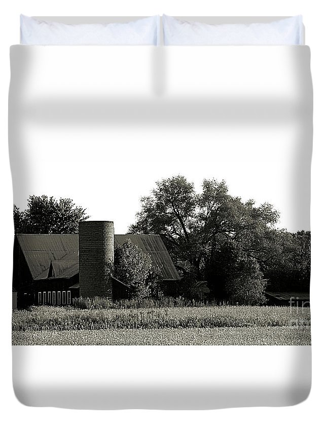 Silo Duvet Cover featuring the photograph Old Barn Outbuildings And Silo by Scott D Van Osdol