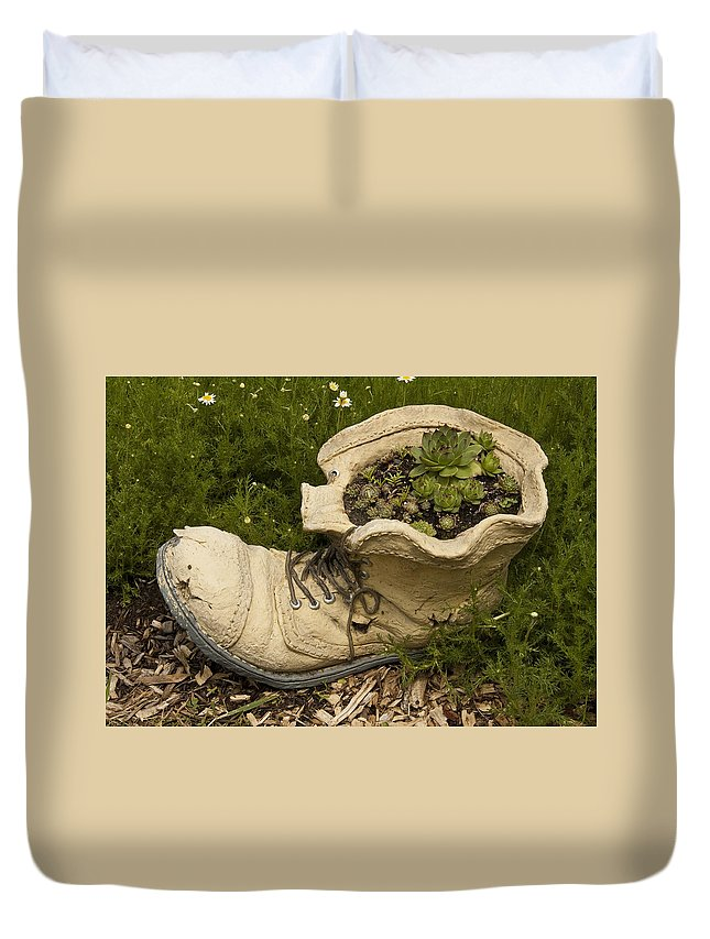 St. Clair County Duvet Cover featuring the photograph Old Boot by Paul Cannon