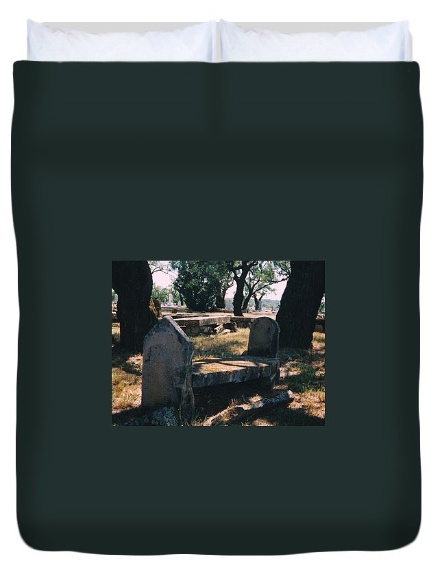 Grave Old Cementery Rocks Duvet Cover featuring the photograph Old Grave by Cindy New
