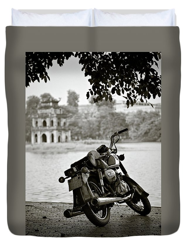 Honda Duvet Cover featuring the photograph Old Honda In Hanoi by Dave Bowman