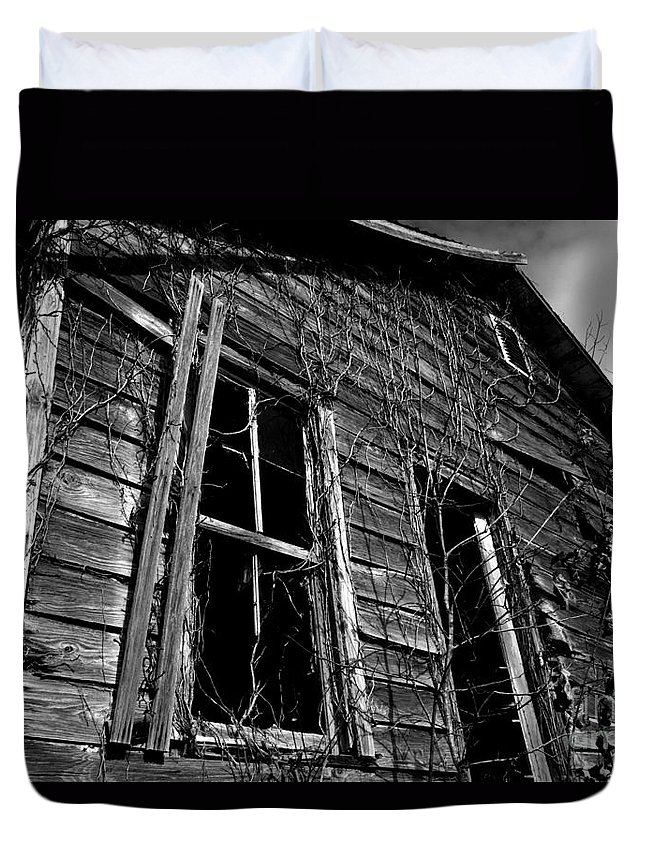 old House Duvet Cover featuring the photograph Old House by Amanda Barcon